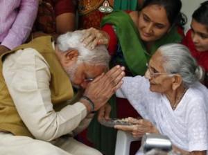 No importa la edad, siempre es y será hermoso recibir la bendición de nuestros padres.