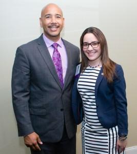 El presidente de la cuidad del Bronx, Ruben Diaz Jr. junto a Natasha antes de recibir su premio.